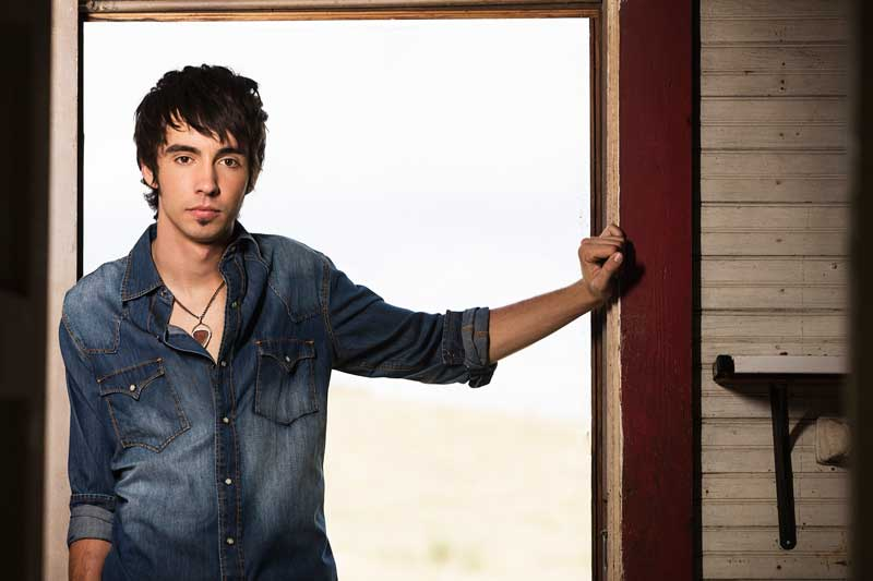 Mo Pitney, Country Artist